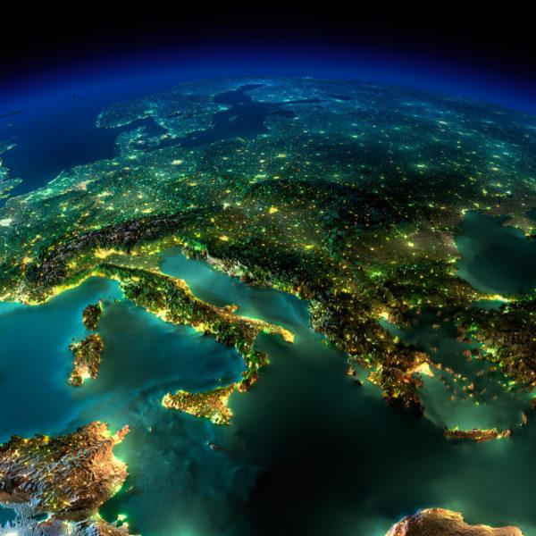 αλλαγη φορολογικης κατοικιας Διαδικασία αλλαγής της φορολογικής κατοικίας το 2018 για το φορολογικό έτος 2017 -Έλληνες κάτοικοι εξωτερικούphotodune 4410024 night earth a piece of europe italy and greece m 600x600