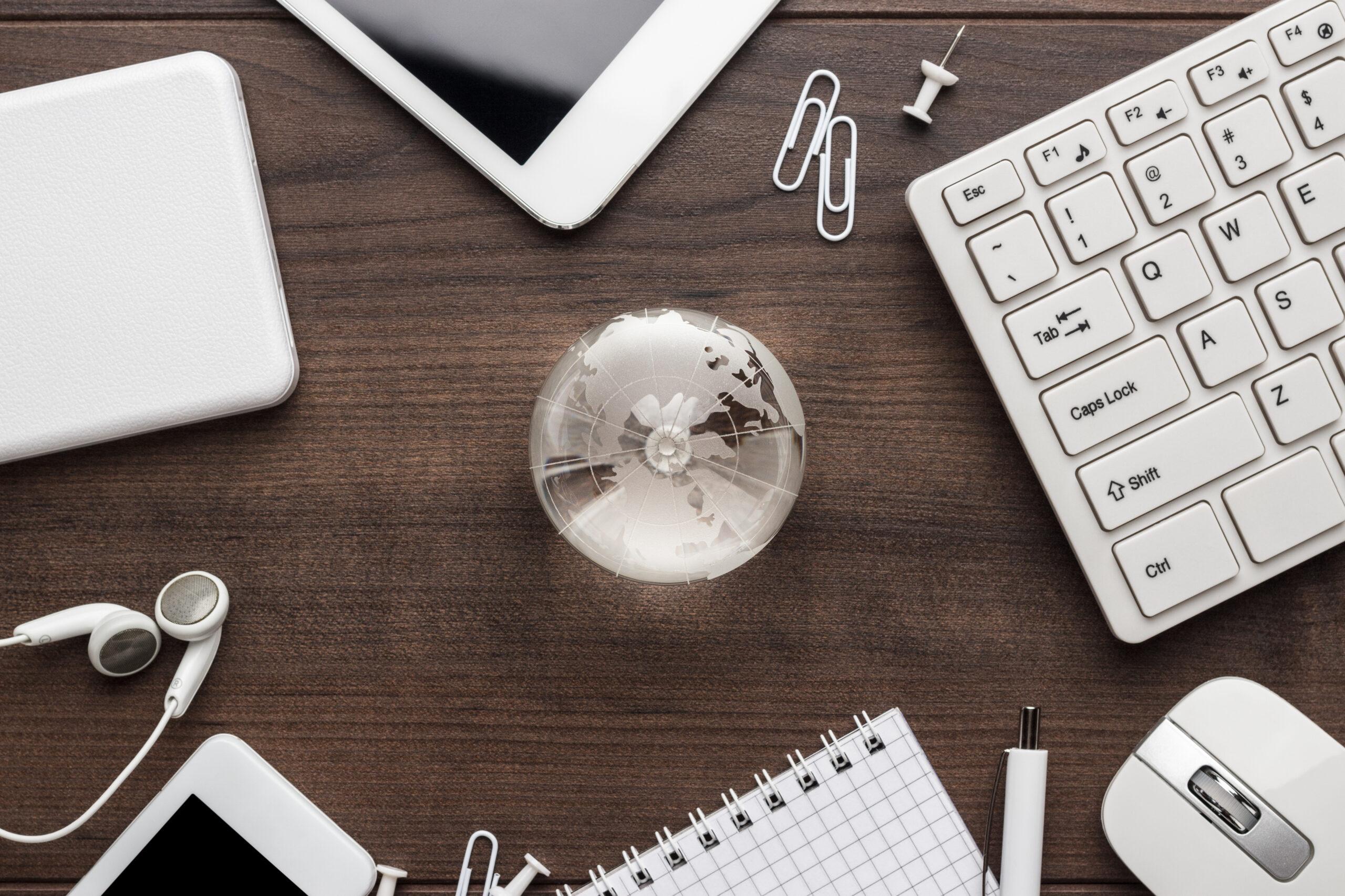 κατοικοι εξωτερικου working online- international tax κατοικος εξωτερικουkerdoforos working online concept scaled